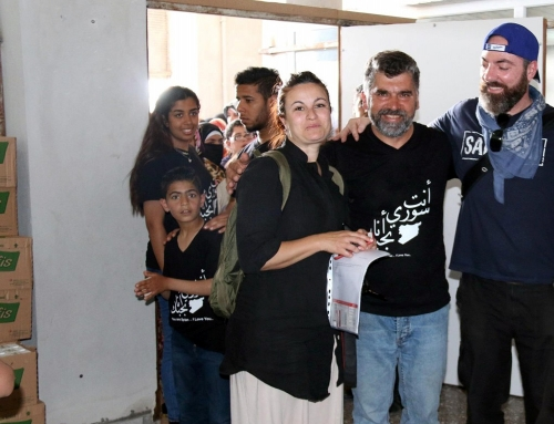 Der Verein Gruppo Latte aus Italien verteilt Spenden